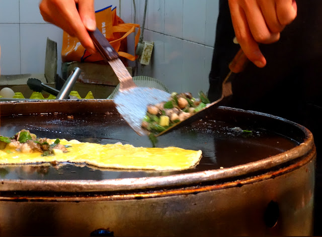 Cooking Oyster Omelette in Xiamen, China