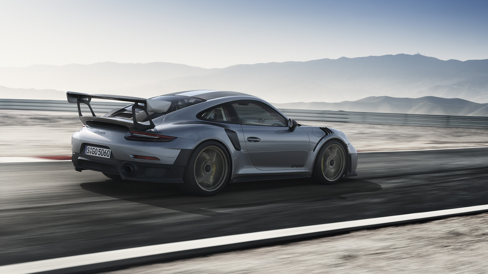 700hp 2018 porsche 911 gt2 rs is the most powerful 911 of all time. Black Bedroom Furniture Sets. Home Design Ideas
