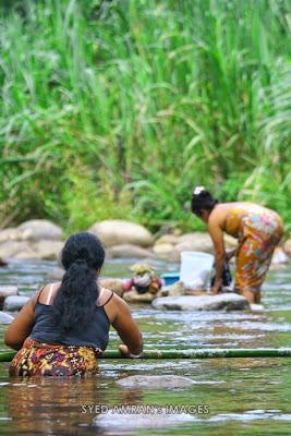 Hasil carian imej untuk orang asli mandi sungai
