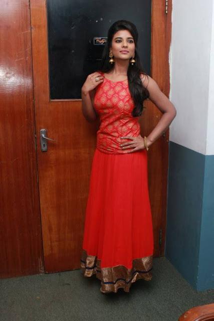 spicy tamil actress armpit pics