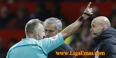 http://ligaemas.blogspot.com/2016/11/mourinho-terancam-hukuman-yang-lebih.html