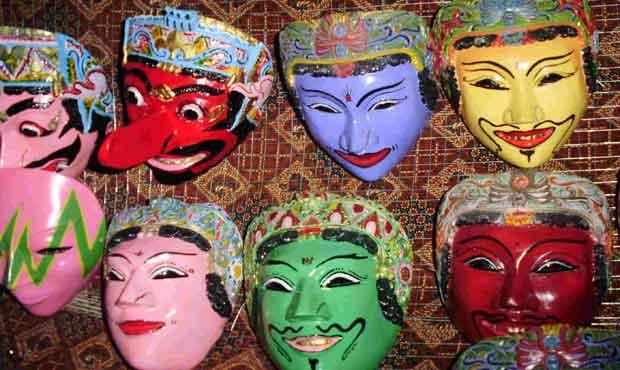 Beberapa karakter topeng Malangan yang sering dijadikan inspirasi motif desain batik khas Malang. (Foto: adityaapratama)