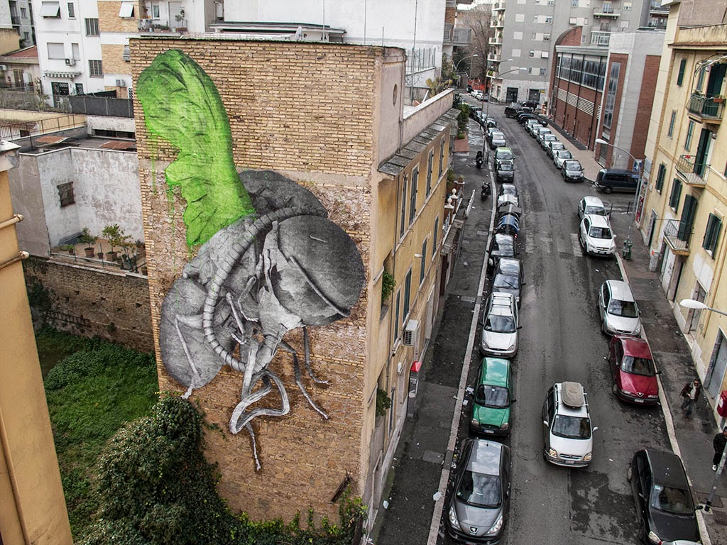 While we last heard from him in London a few days ago, Ludo is now in Southern Europe where he just finished working on some new pieces on the streets of Rome.