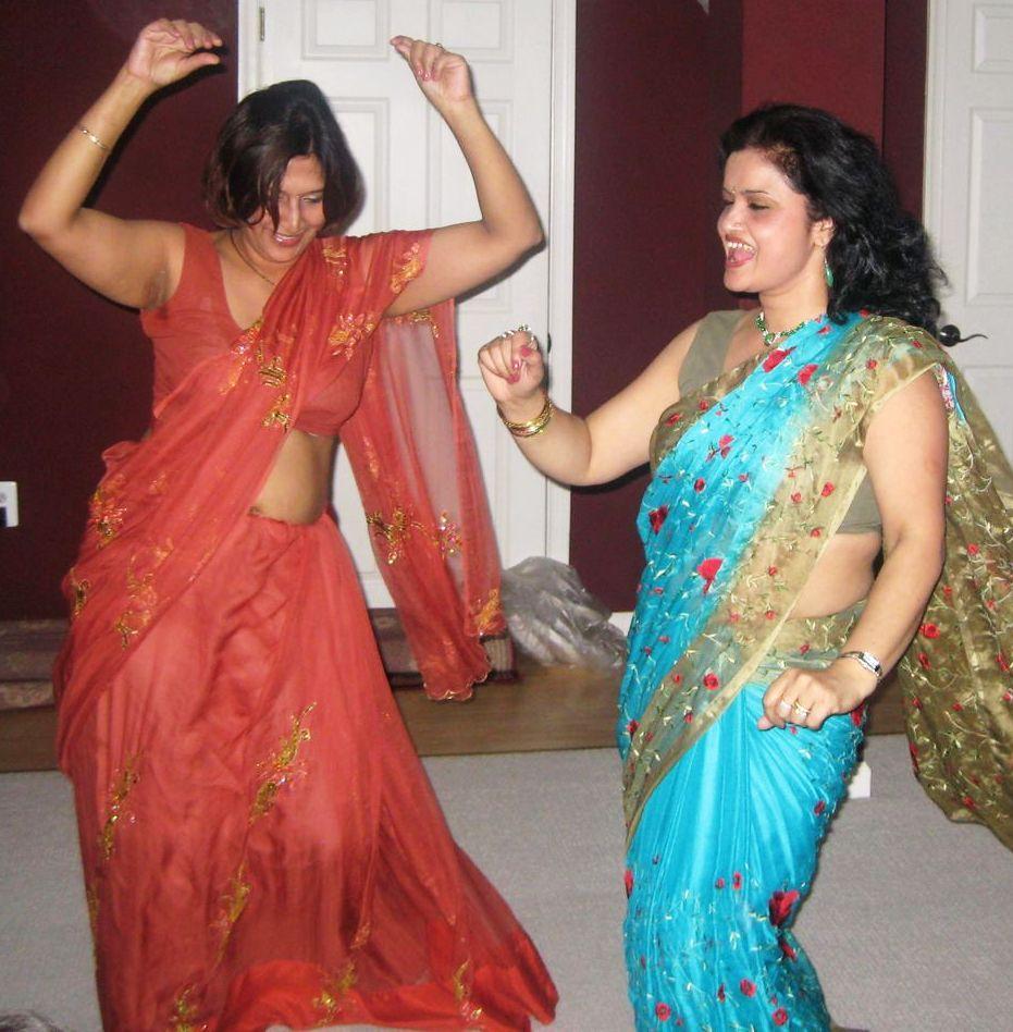 real life saree navel pics