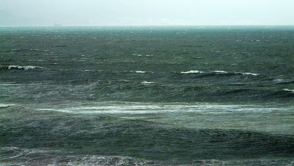 temporal en el mar sopelana 01