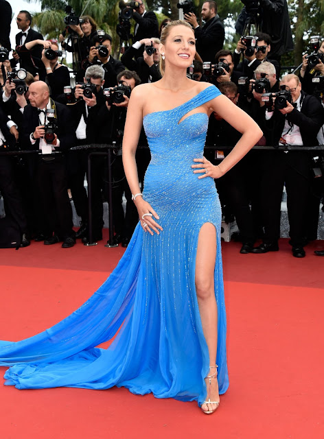 Actress, Model, @ Pregnant Blake Lively Puts Baby Bump On Display at 'BFG' Cannes Premiere!