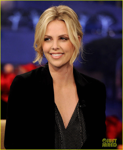 charlize_theron_wallpaper_7