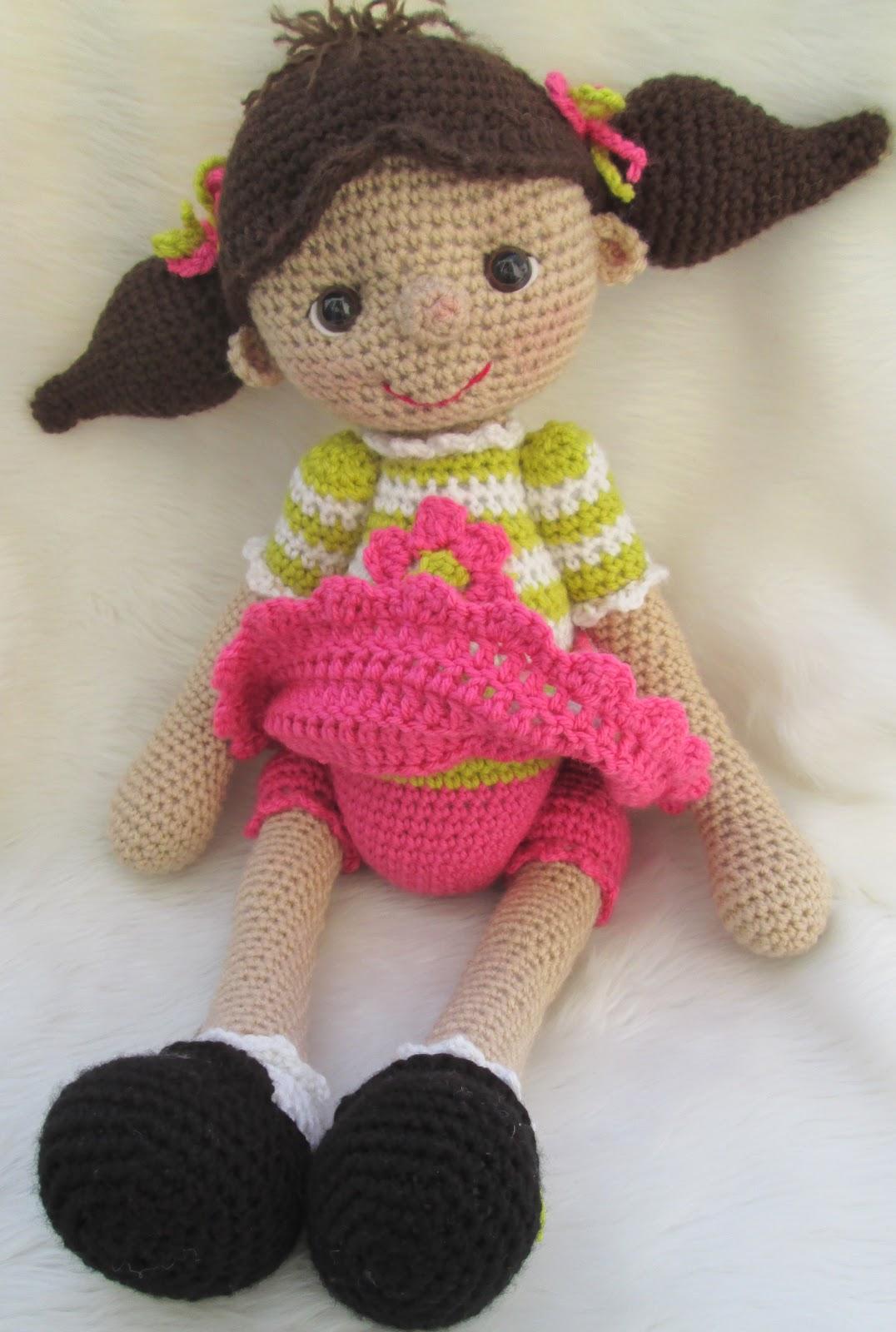 Teri's Blog: So Cute Dolly, A New Huggable Dolly Pattern