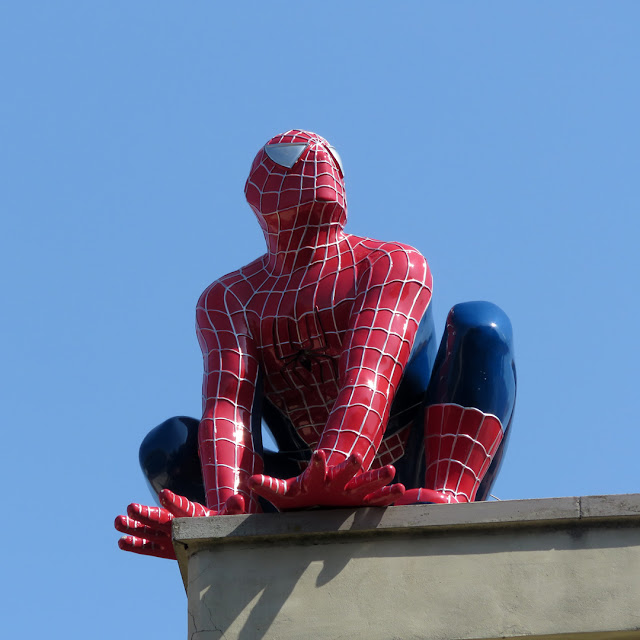 Spider-Man on a roof, Via Montebello, Livorno