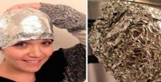 Πανέξυπνο ΤΡΙΚ: έβαλε αλουμινόχαρτο μετά Το λούσιμο στο κεφάλι Της – Οι καλύτεροι κομμωτές στον κόσμο Θα Το ζηλέψουν!