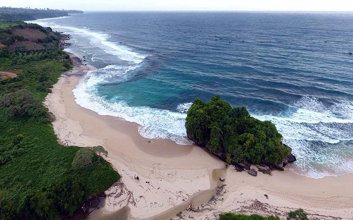 Pantai Leppu Labangka Sumbawa
