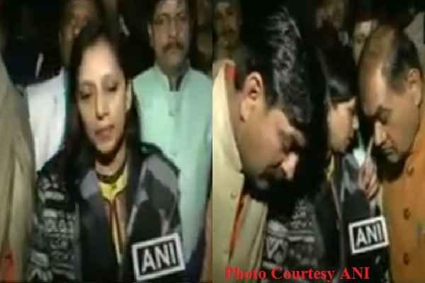 bjp-mayor-caught-on-camera-exposing-how-mcd-working-in-delhi