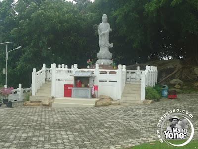 Patung Dewi Kwan Im Dewi kebijaksanaan