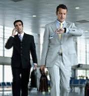 Orang melakukan perjalanan bisnis