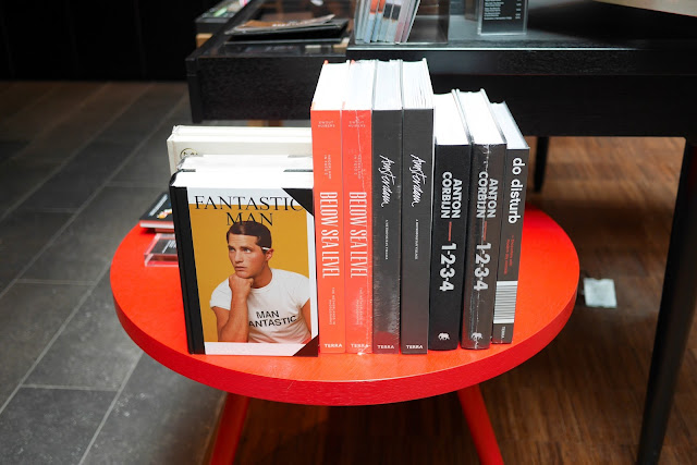 citizenm tower hill london hotel review gift shop