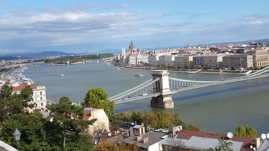 vistas-de-Pest-desde-castillo-de-Buda-Budapest-Hungria