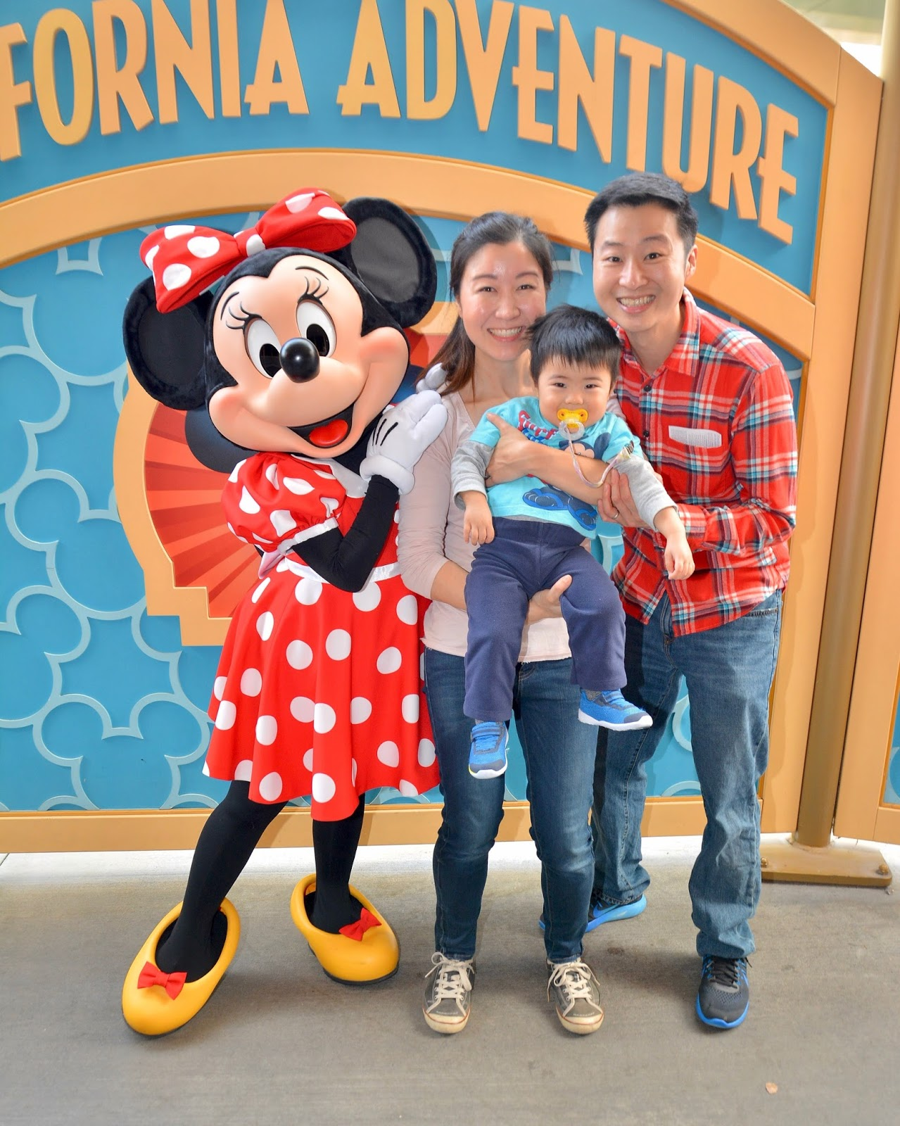 Relentless financial improvement disneyland with our chase disney note your card only allows you to meet a character one time i believe different characters come to the area every 4 hours m4hsunfo