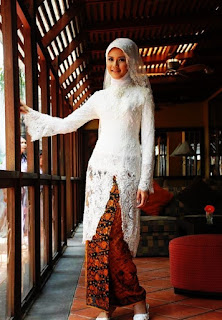 Trend Baju Kebaya Pengantin Muslimah Modern Tahun 2018 Selebriti