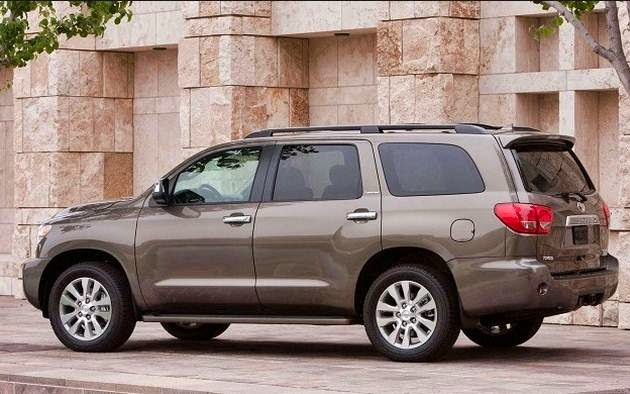 2016 Toyota Sequoia Aggressive look