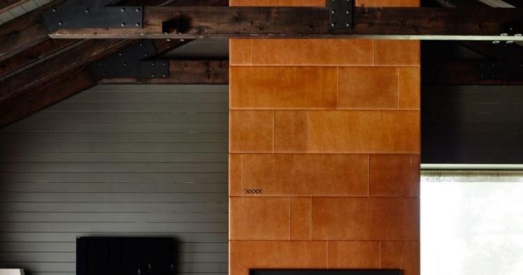 Lambris bois large en gris anthracite dans une maison d ...