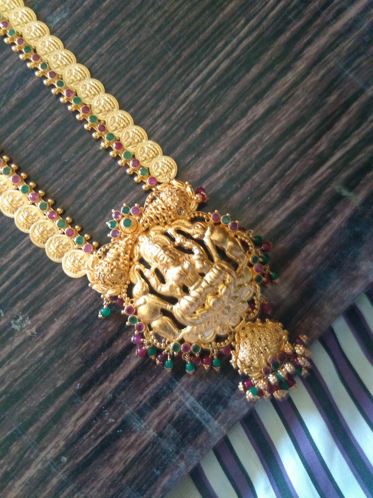 Letest modal gold designs: Latest modal gold Nakles