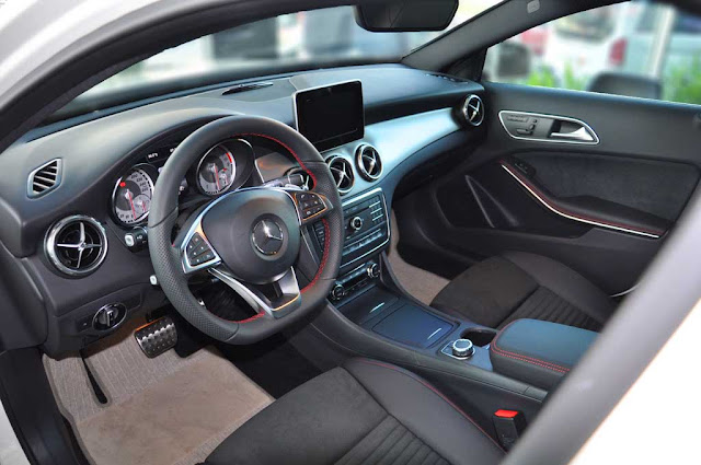 Nội thất Mercedes GLA 250 4MATIC 2019 được thiết kế thể thao, mạnh mẽ