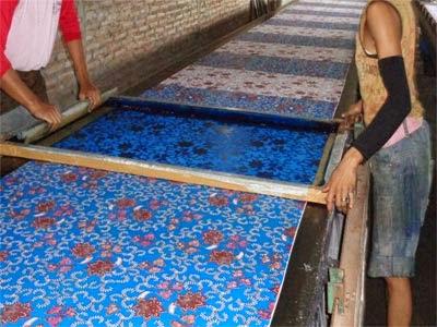 Seragam Batik solo proses pembuatan seragam batik printing kalinggo batik