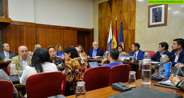 Pleno Extraordinario que se ha celebrado hoy en el Cabildo Insular de La Palma para abordar el problema de la sequía que afecta a la isla.