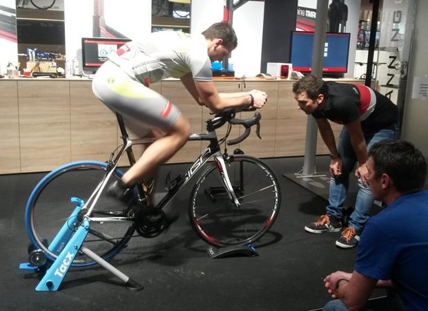 UltraCyclingDuo: Radeinstellung bei Bernhard Kohl