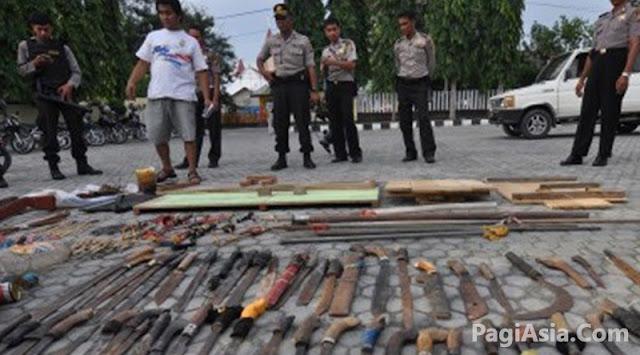 Polisi Berhasil Amankan Puluhan Senjata Tajam Saat Malam Takbiran