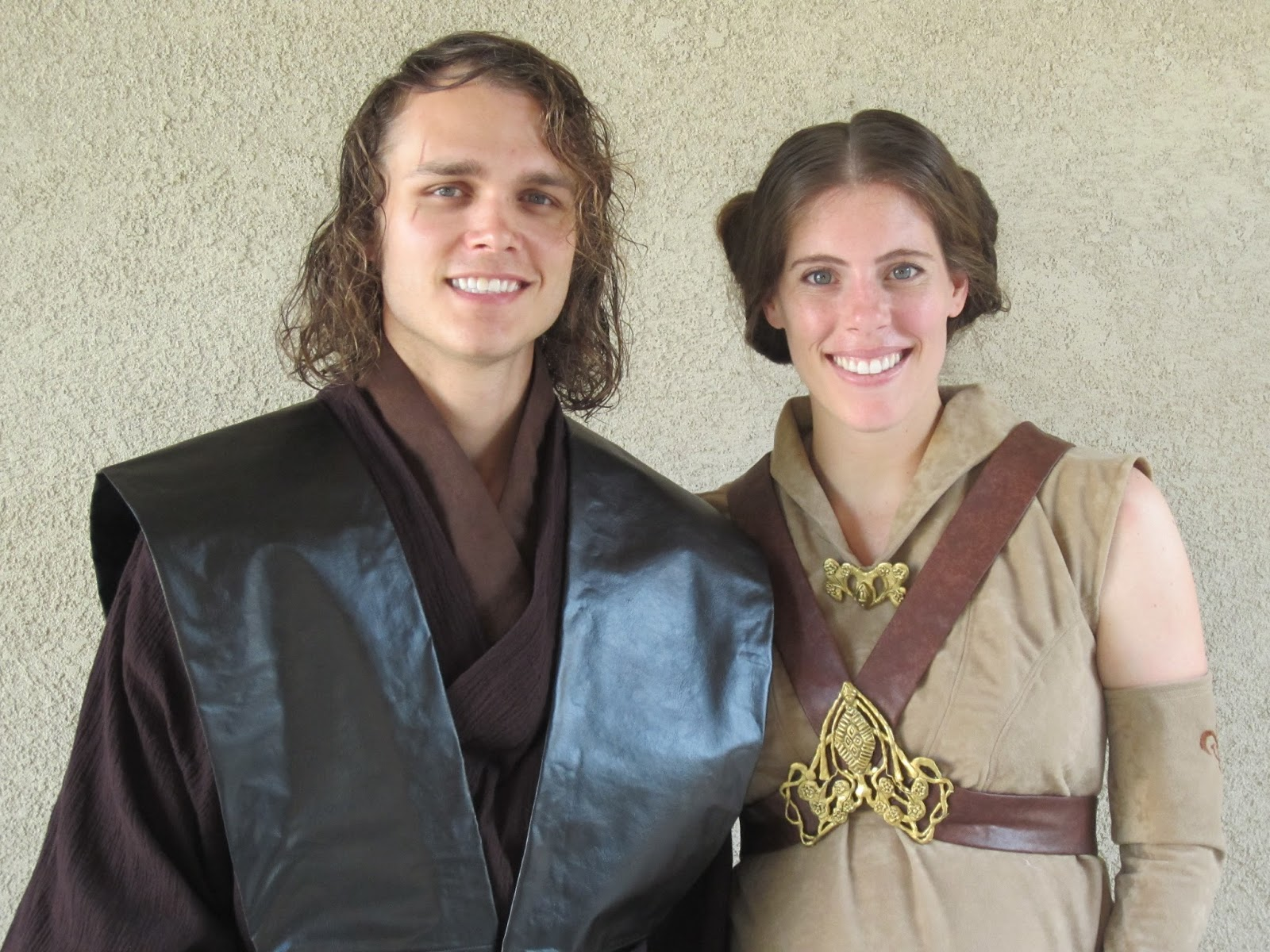 ... I went as Padme (see the Anakin tutorial here). David looks kinda like Hayden Christensen and I am 7 months pregnant so it was the perfect costume.  sc 1 st  DIY Projects & Amanda Did It: DIY Projects: Pregnant Padme Sleeveless Cosplay Tutorial