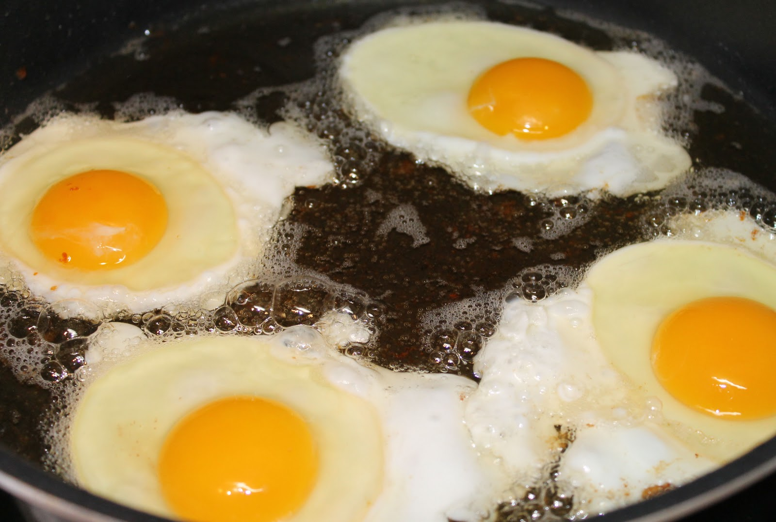 How To Make A Perfect Bacon And Eggs Breakfast Just One