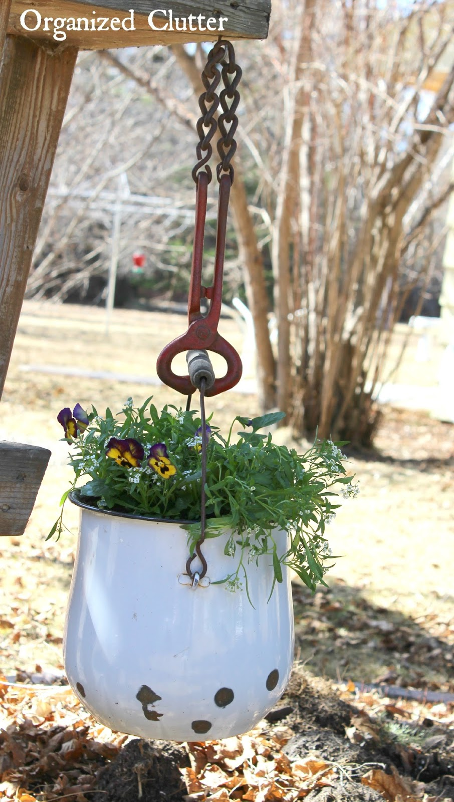 Cattle Nose Clamp Flower Pot Hook www.organizedclutter.net
