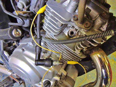 How to check if motorcycle engine has a spark ( no spark test )