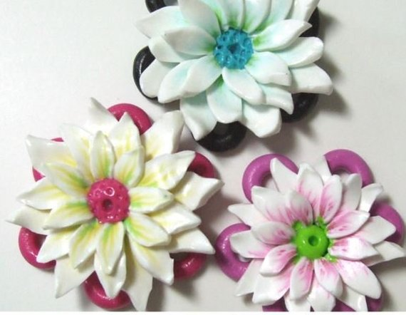 flower polymer clay jewelry tutorial by PolyOriginals