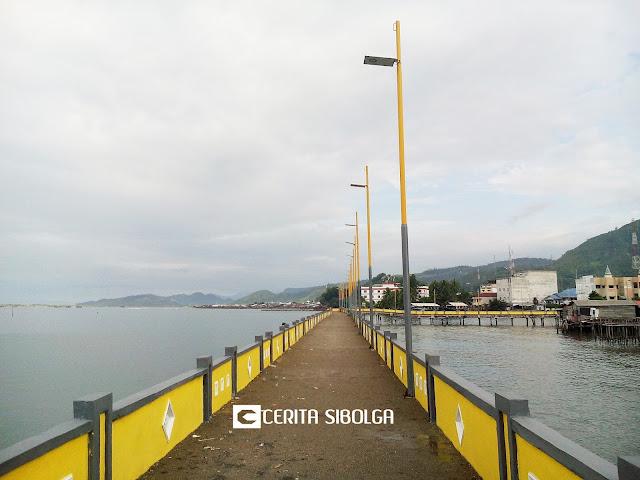 Tempat Wisata Baru Sibolga, Jembatan di Atas Laut