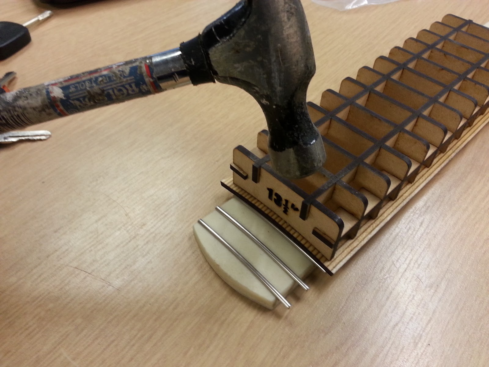 nerd club resin casting a guitar fingerboard. Black Bedroom Furniture Sets. Home Design Ideas