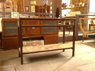 l 39 atelier de droverland une console en m tal et bois de palette. Black Bedroom Furniture Sets. Home Design Ideas