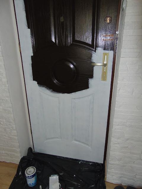 renowacja drzwi z użyciem lakieru