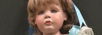 http://www.dailymail.co.uk/news/article-2705034/Mystery-creepy-dolls-left-outside-California-homes-resemble-little-girls-live-there.html