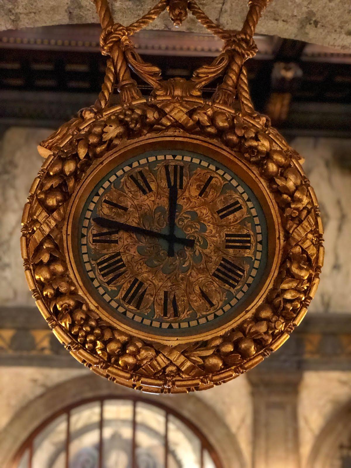 palazzo Zevallos Stigliano orologio