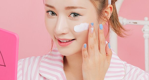 Sử dụng collagen trắng da làm da trắng hồng mịn màng