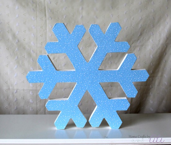 quick and easy glittery snowflake on display