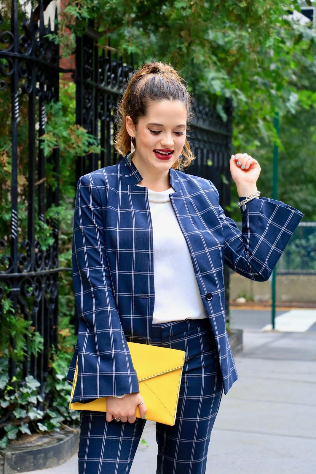 Nyc fashion blogger Kathleen Harper wearing 2018 fall fashion trends