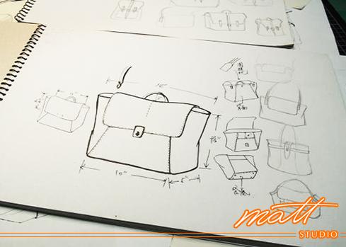對於Matt Studio有任何疑問,歡迎在【Q&A 常見問題】裡尋找答案。 Matt Studio是Matt老師創辦的專業皮包設計教室,提供真皮皮件手縫及車縫(機縫)教學、皮包打版、客製化商品、製包相關企業顧問等服務。