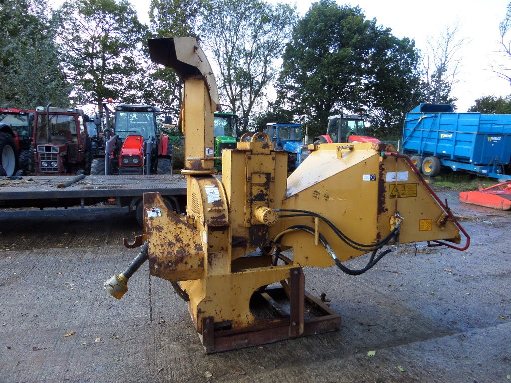 Used Tractors, Machinery and Plant: VERMEER HEAVY DUTY WOOD