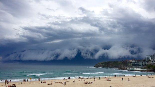Una fantastica nube tsunami cubrió el cielo de Sydney