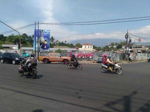 3 2 59c8d4a563a8e6276d2a49b2 - Terobos Paspampres, Pedagang Rejosari Tagih Janji Jokowi