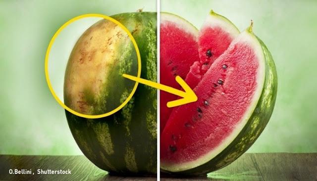Τα 5 κόλπα για να διαλέγετε πάντα το τέλειο καρπούζι!