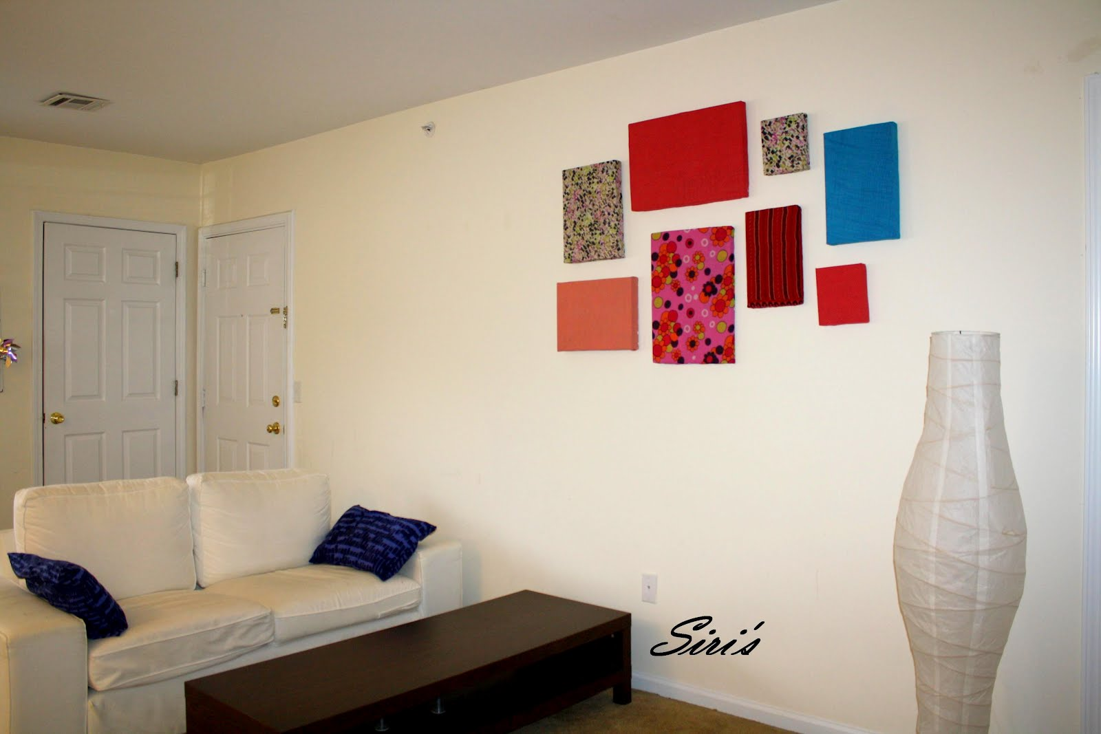 Siri's Kitchen: Wall decor with cardboard boxes and fabric